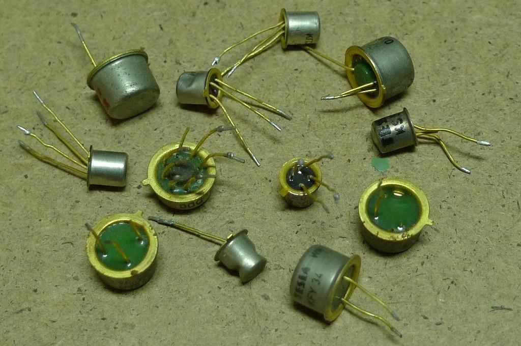 Tranzistor žltý