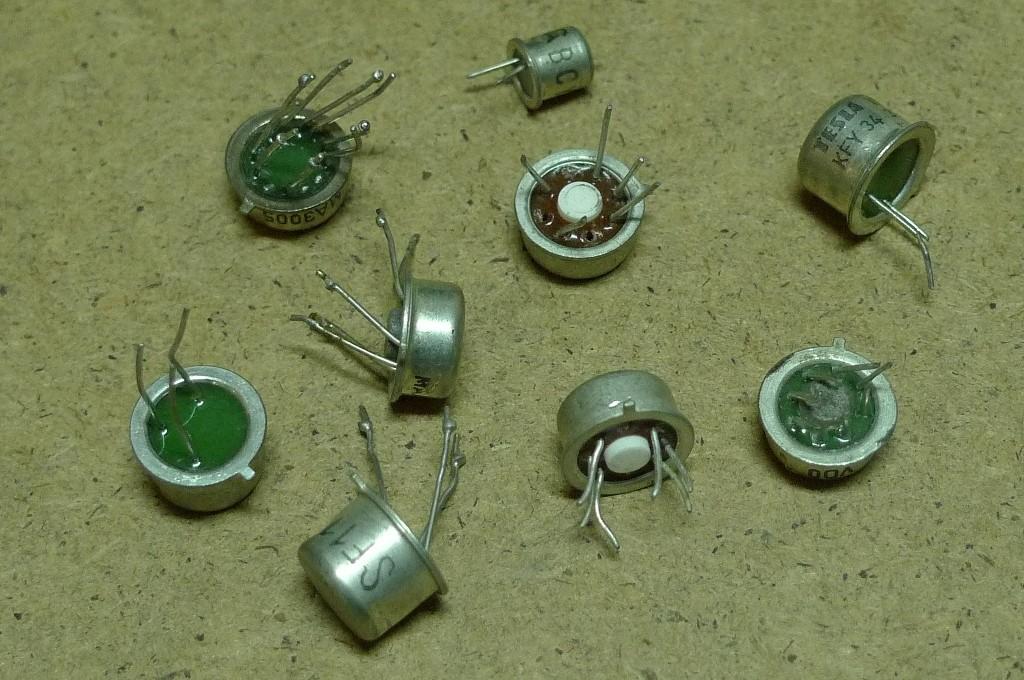 Tranzistor biely